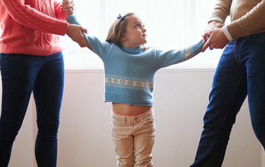 حضانت | سرپرستی فرزند | نگهداری فرزند | شرایط حضانت فرزند | حضانت فرزند دختر
